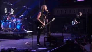 5 Seconds Of Summer - Permanent Vacation live from The New Broken Scene