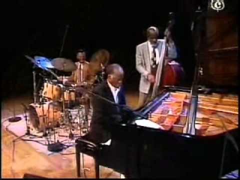 Ahmad Jamal Trio  Munich 1993 - John Heard bass , Yiron Israel drums
