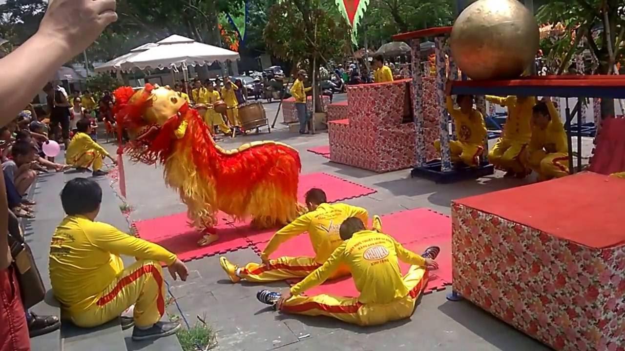 Southern Lion Dance - Vietnamese Culture - Múa Lân - YouTube