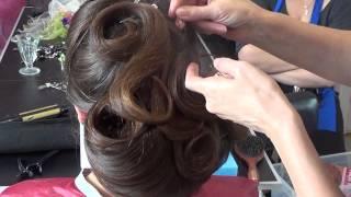 ШКОЛА КРАСИ Slava Studio: Вечірні зачіски з прикрасами