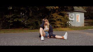 Смотреть клип Cailee Rae - Hometown