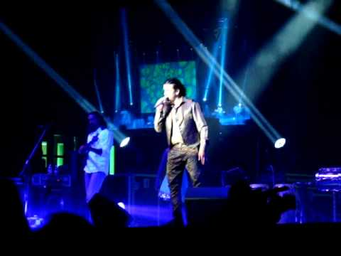 Sonu Nigam LIVE in London--'Main Agar Kahoon'--Om Shanti Om