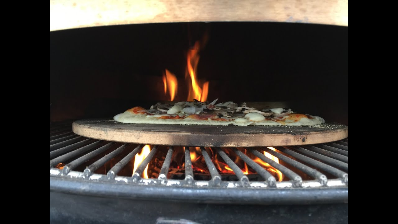 Weber Elektrogrill Pizza Backen : Pizza vom moesta pizzaring lockergrillen.de youtube