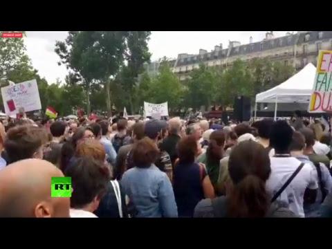 Rassemblement de La France Insoumise sur la place de la République à Paris (Direct du 12.07)