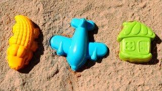 Фото Мультики для самых маленьких. Видео для малышей и цветные формочки. Лепим куличики учим цвета