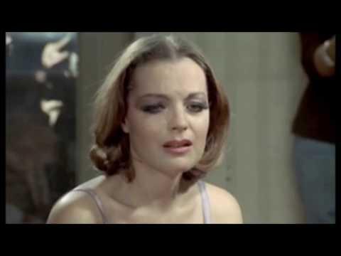 """ LA CHANSON D'HELENE "" ROMY SCHNEIDER & MICHEL PICCOLI"