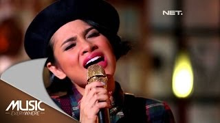 Andien - Feel Good Inc - Gorillaz Cover (Exclusive Youtube) (Live at Music Everywhere) *