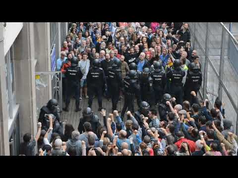 1-O 2017 Spanish police assault Joan Fuster school in Barcelona, Catalonia