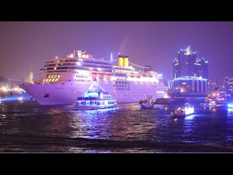 Cruise Days 2015 Hamburg (Fr.): Costa neoRomantica & Feuerwerk