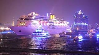 Cruise Days 2015 Hamburg (Fr.): Costa neoRomantica & Feuerwerk