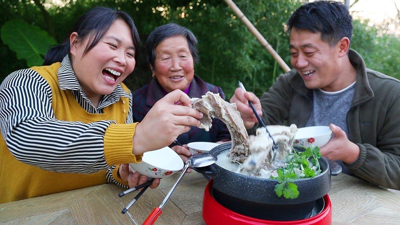 Download 鱼肉羊肉一起炖到底有多鲜?胖妹拿手绝活。76岁奶奶一碗喝不够!【陈说美食】