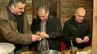 Армянское блюдо Хаш(Особый ритуал, к которому ни в коем случае не допускаются женщины, совершают армяне, когда готовят своё..., 2010-01-19T09:35:55.000Z)