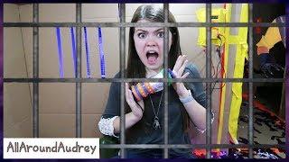 Sneaking Into Hello Neighbors Maximum Security Box Fort Prison / AllAroundAudrey