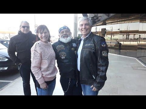 Ambassador Robert Sherman and his wife Kim Sawyer leave Portugal