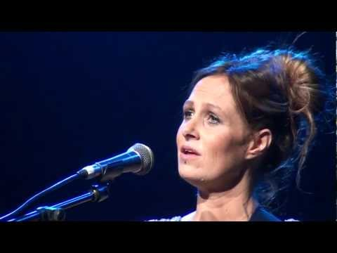 Kasey Chambers  The Captain