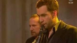 Magnus Uggla - Jazzgossen (Live Nyhetsmorgon 2006)