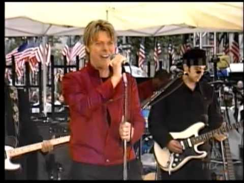 David Bowie Sings Fame on the TODAY Show