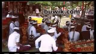Video Video Persembahyangan di Pura Windhu Segara, Padang Galak Sanur Denpasar download MP3, 3GP, MP4, WEBM, AVI, FLV September 2018