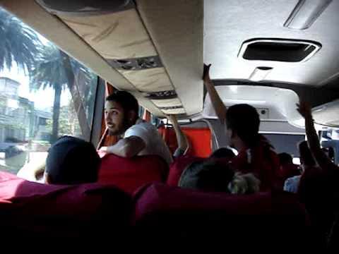 Los Quemeros llegando a Montevideo en Micro
