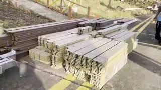 Woodpecker dóno la isla de Providencia casas elaboradas con WPC (wood plastic composite),un material compuesto de fibras vegetales y polímero con apariencia similar a lamadera.