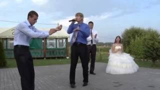 Друг на свадьбе всех удивил