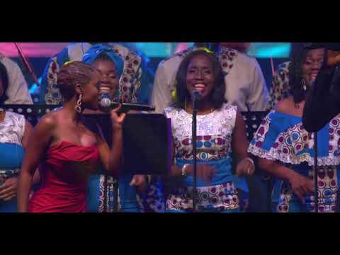 Vanessa Mdee ft Frederic Gassita - Kisela LIVE IN GABON thumbnail