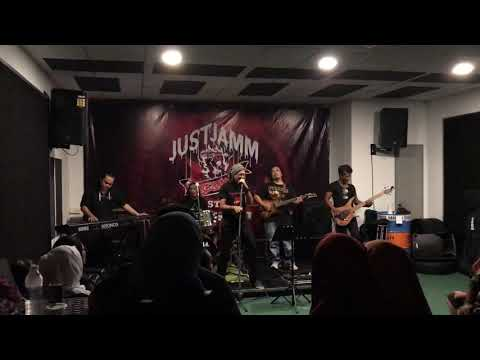 Dramatic Works - Pull Me Under (Dream Theater Cover)