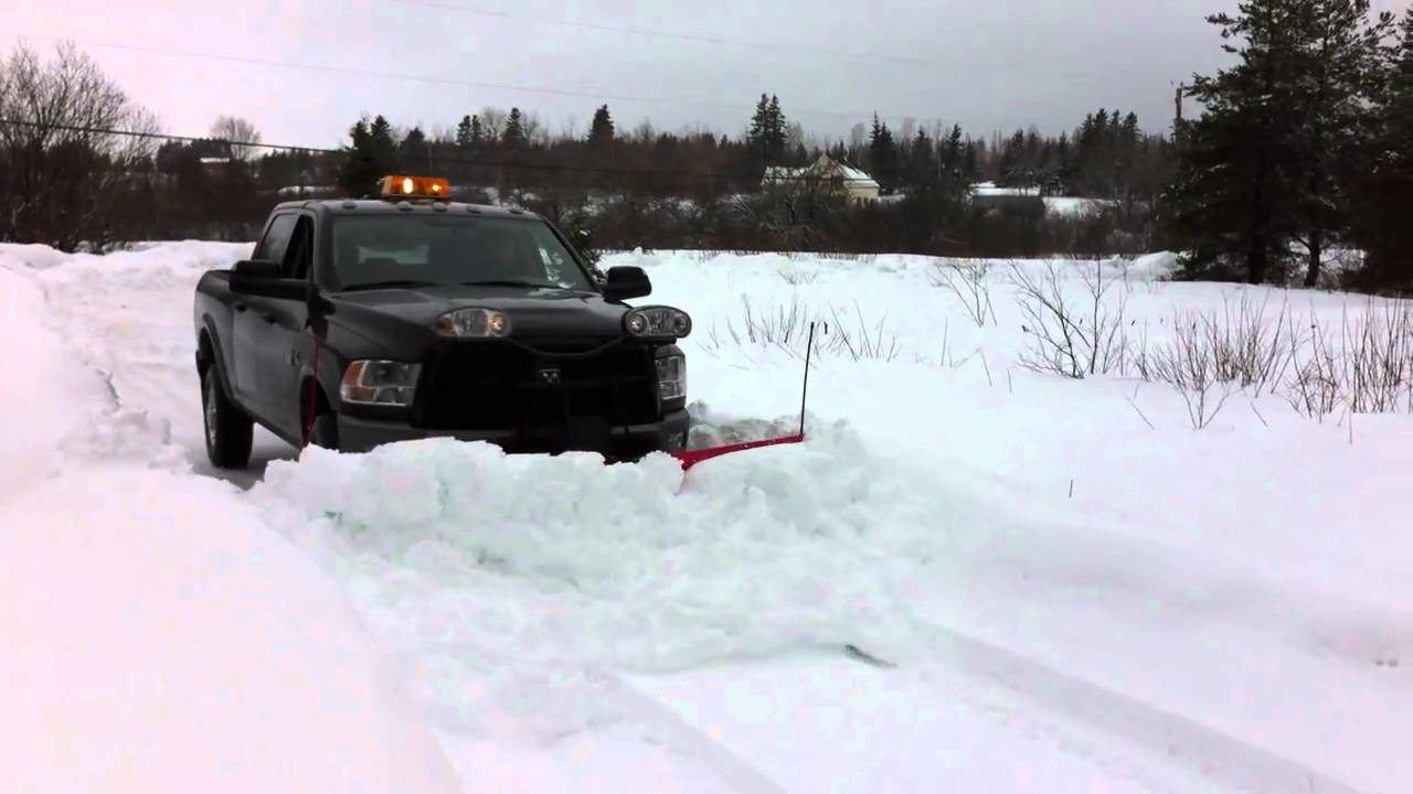 2011 Dodge Ram 2500hd 9 2 Boss V Plow Youtube
