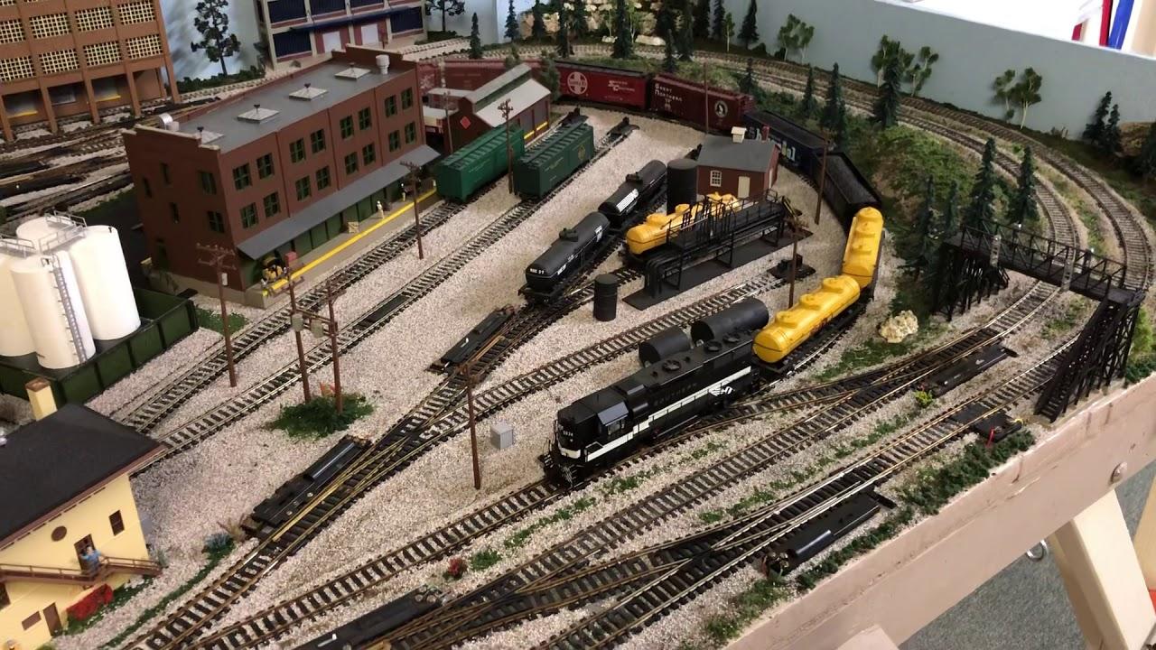 Model railroad 4x8 HO 3 track layout - YouTube