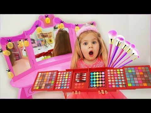 Diana Pretend Play Dress Up and Make Up Toys