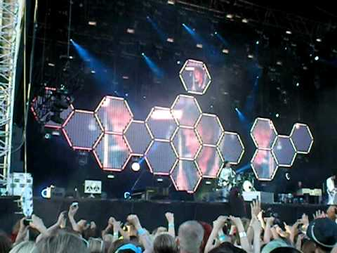 Muse - Map Of The Problematique [Live @ Kaisaniemi Park, Helsinki 19/07/2010]