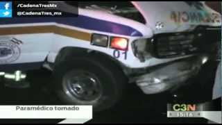 Paramédico ebrio causa accidente