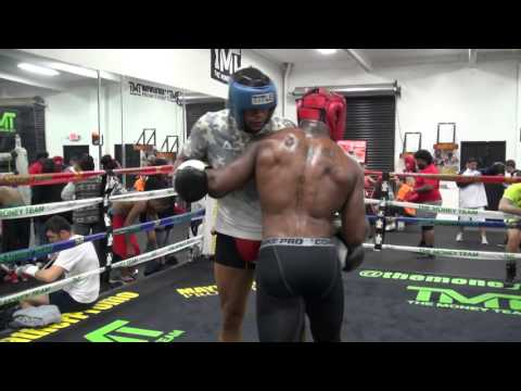 Undefeated cruiserweight Michael Hunter sparring MMA star King Mo Lawal