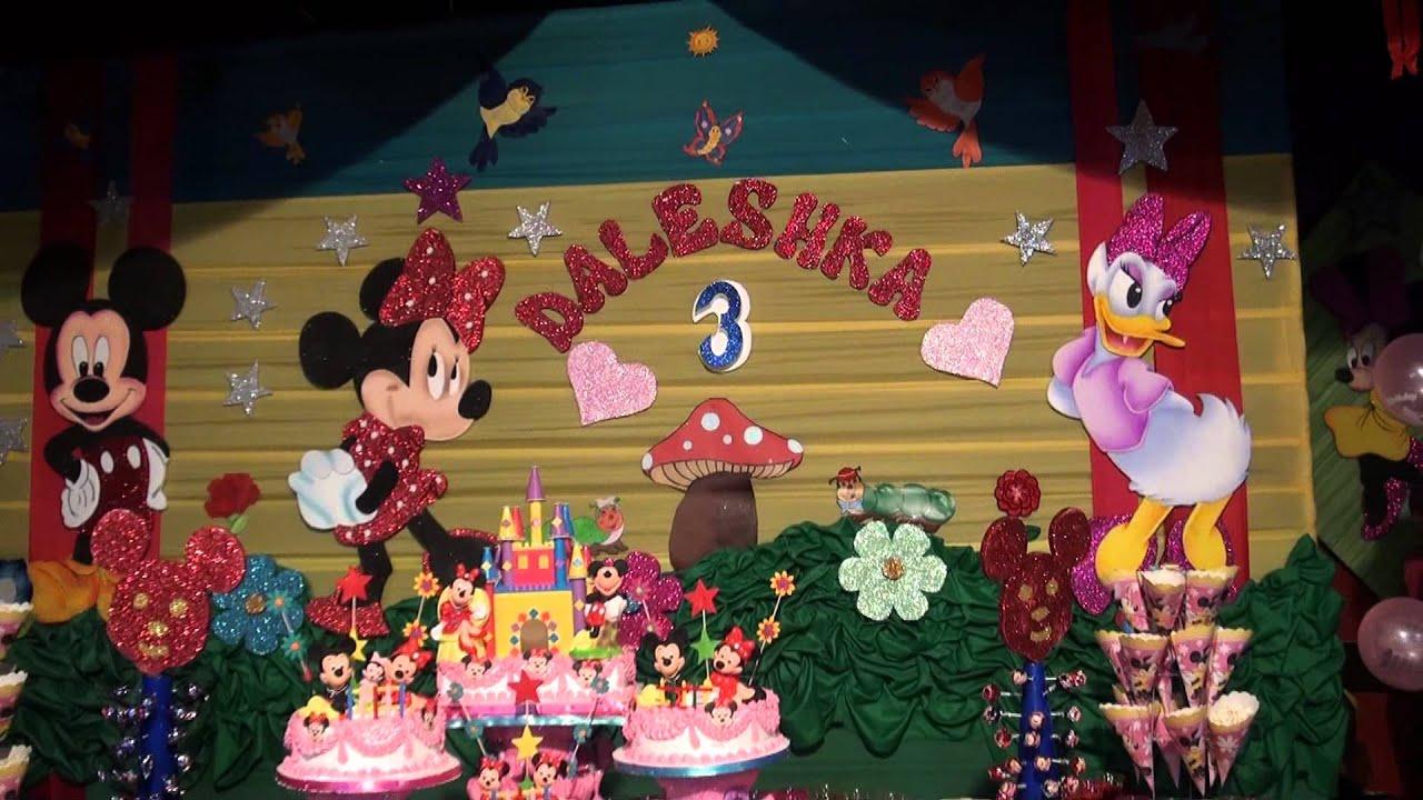 Cumplea os infantil decoracion en la mesa principal for Decoracion de mesa de cumpleanos