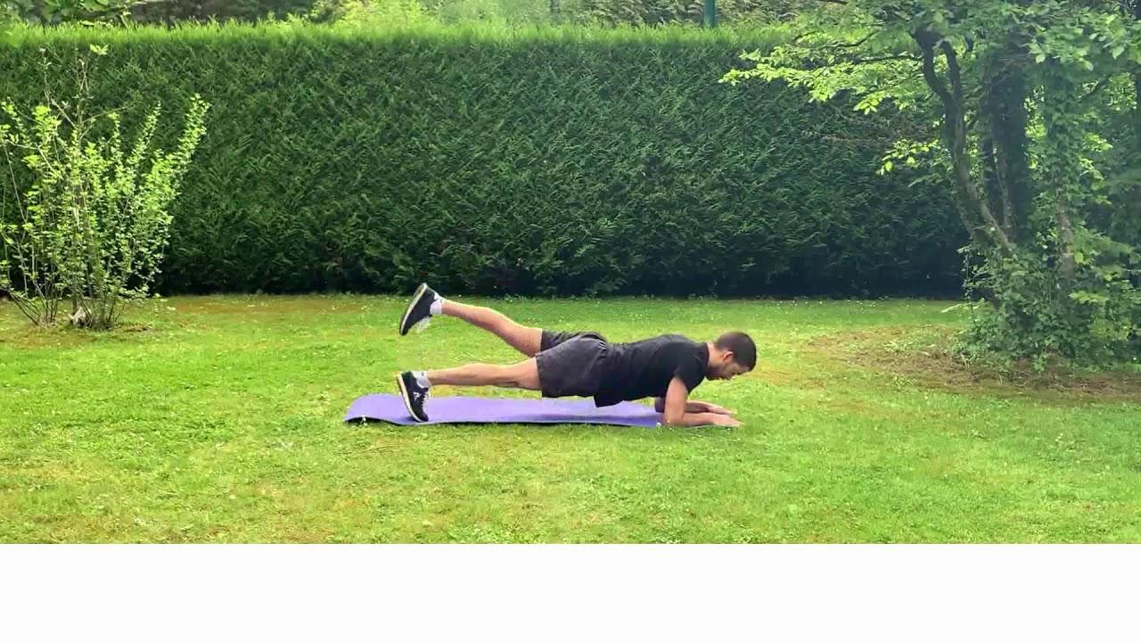 Enchaînement numéro 2 d'exercices en gainage dynamique