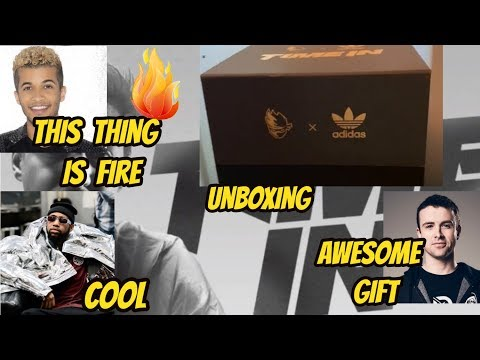 STREAMERS UNBOXING  Ninja X Adidas  GIFT FORTNITE
