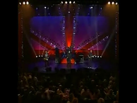 The Troggs - Love Is All Around (Live)