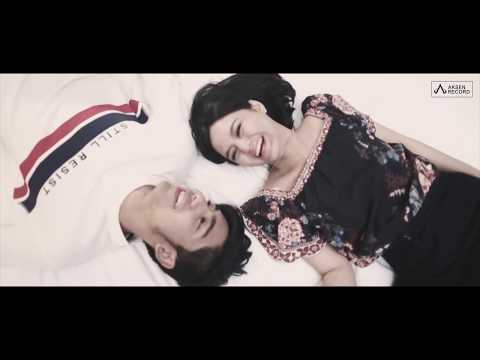 RIZA SYAH - ADA AKU DISINI ( official video klip )