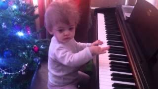 Ника-пианистка