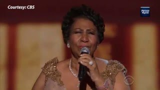 Скачать Watch Aretha Franklin Make President Obama Emotional