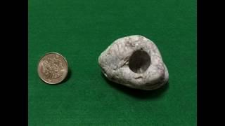 小さな石笛・紡げる大きな穴 thumbnail