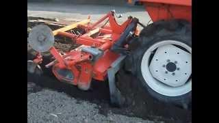 Repeat youtube video トラクターで畝立て 自作畝立て器で一発仕上がり