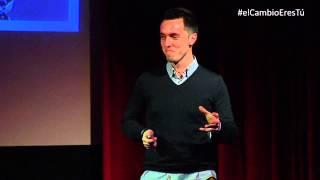 ¿Qué hace único a un gran comunicador? | Javier Cebreiros | TEDxMirasierra