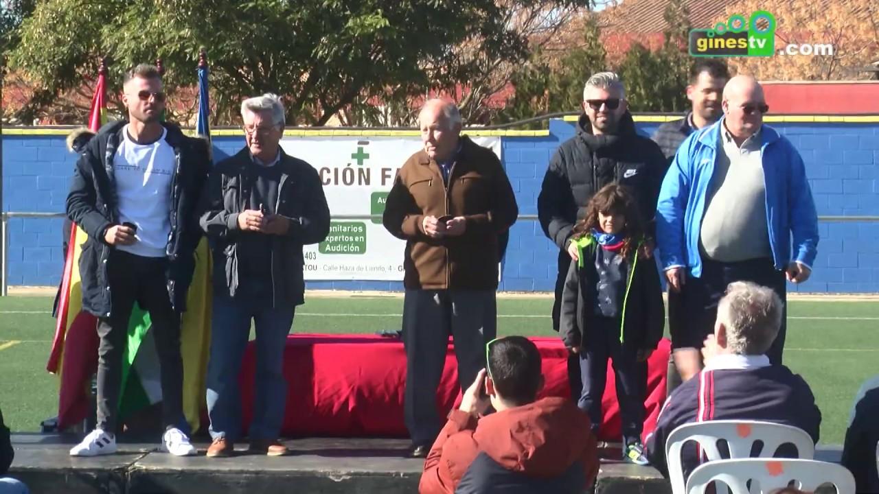 El Ayuntamiento rinde un merecido homenaje al Juventud Deportiva Gines