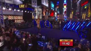 Jennifer Lopez - Louboutins, Waiting For Tonight, Let's Get Loud [Live on New Year's Eve]