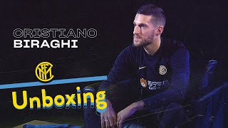 INTER UNBOXING with CRISTIANO BIRAGHI | Manchester City, Davide Astori and more! | 📦⚫🔵😯 [SUB ENG]