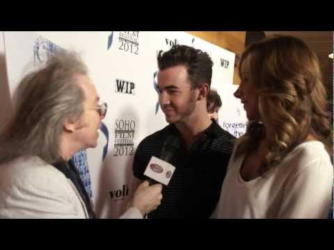 Kevin & Danielle Jonas, Danny Aiello, Mike Starr at Soho Film Festival!