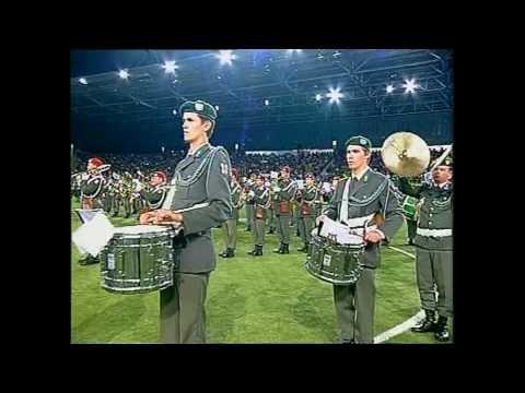 Militärmusik NÖ Rasenshow 9 Mil Musiken.mpg