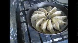 Pot Stickers/ Jiaozi/ Gyoza/ Chinese Dumplings/ 餃子/ 饺子 (chicken And Pork)