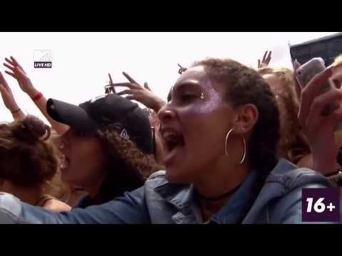 Mike Posner - I Took A Pill In Ibiza (Amazing Crowd!) - V Festival 2016 HD